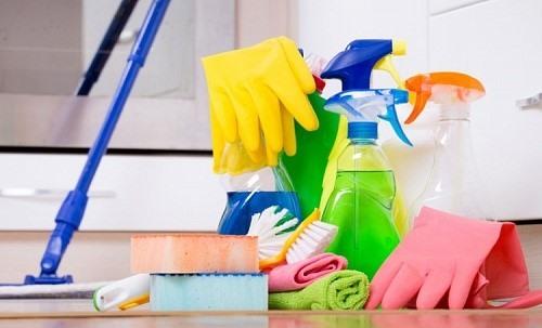 Какие дезсредства нужны для уборки в доме?